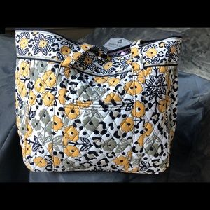 Vera Bradley Tote ❤️ NWOT and Retired pattern!